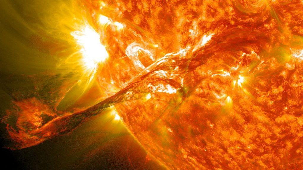 Отмечаем День Солнца: премьера фильма, увлекательная лекция и астрономические наблюдения!
